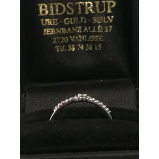 14kt Hvidgulds Ring med i alt 0,12ct Diamanter-01