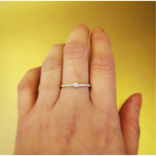 14kt Guld Ring med i alt 0,12ct Diamanter-01