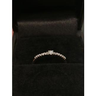14kt Guld Ring med i alt 0,12ct Diamanter-20